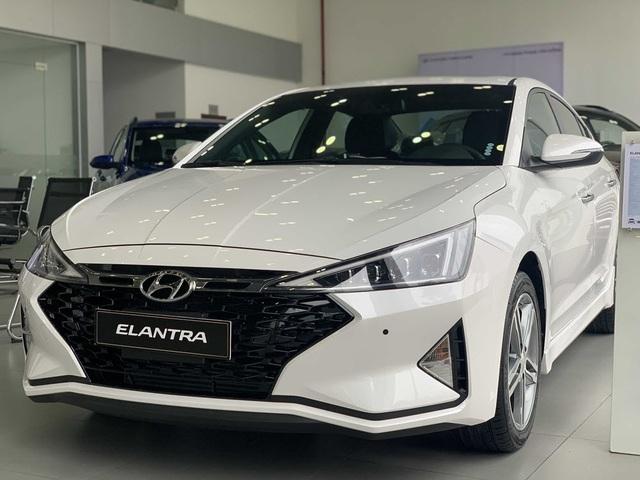 Những mẫu xe Hyundai 4 chỗ bán chạy nhất hiện nay - 4