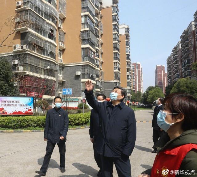 Ông Tập Cận Bình thăm bệnh viện dã chiến, khu dân cư ở Vũ Hán - 7