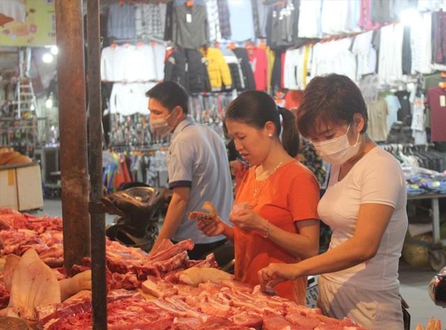 Công nhân khu công nghiệp đi chợ thế nào trong đợt dịch Covid-19? - 4
