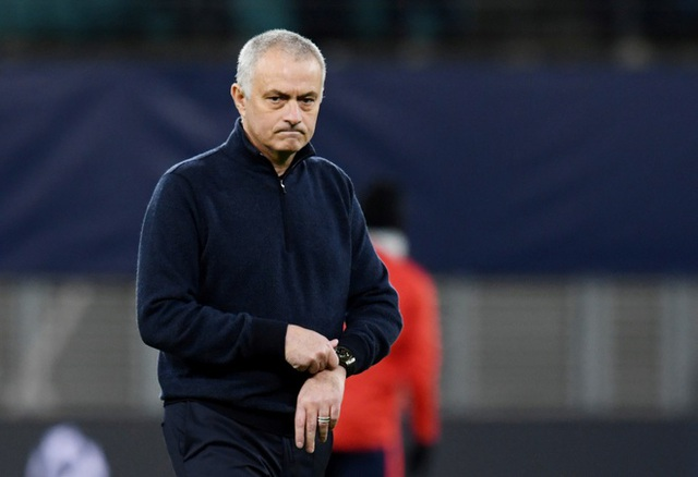 Mourinho trải qua chuỗi ngày tệ nhất trong sự nghiệp - 1