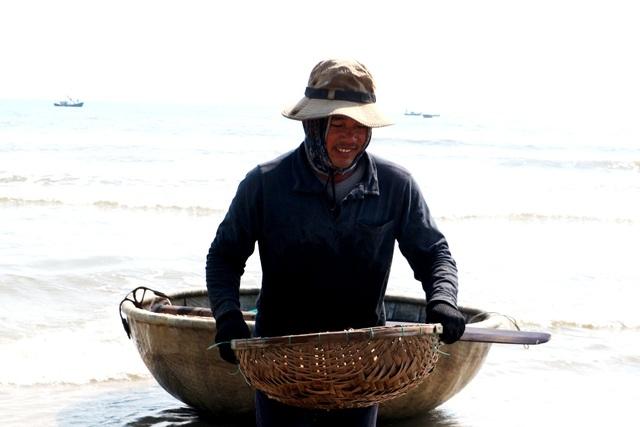 Ngư dân Quảng Nam trúng mùa ruốc biển - 3