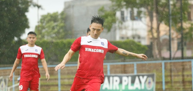 Hàng tiền vệ của đội tuyển Việt Nam đang… thừa tài năng - 2