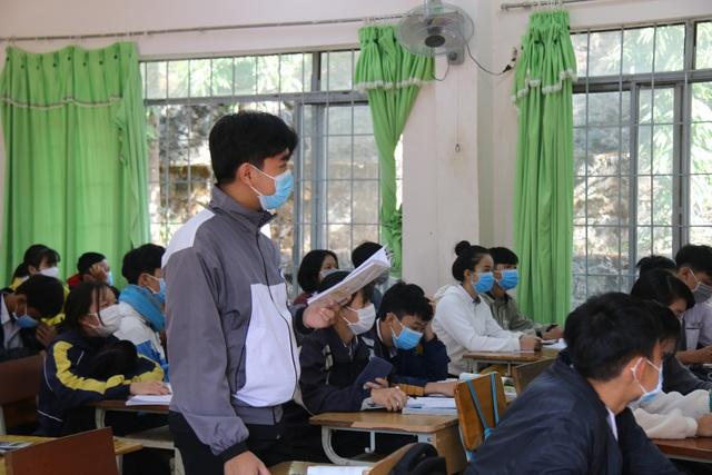 Dịch Covid-19 phức tạp: Nhiều địa phương cho học sinh nghỉ hết tháng 3 - 1