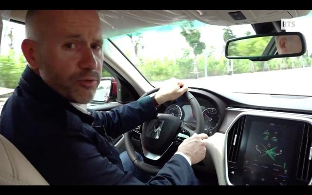 """Đài Truyền hình QG Thụy Sỹ dự báo về """"kẻ thách thức"""" trong ngành ô tô thế giới - 2"""