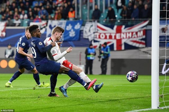Những khoảnh khắc Tottenham chia tay Champions League đầy cay đắng - 5
