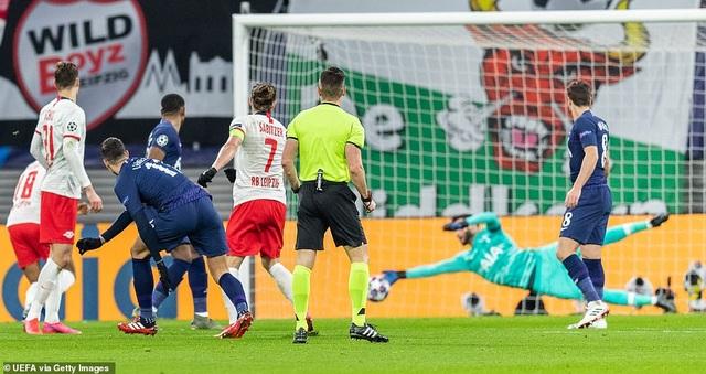 Những khoảnh khắc Tottenham chia tay Champions League đầy cay đắng - 6