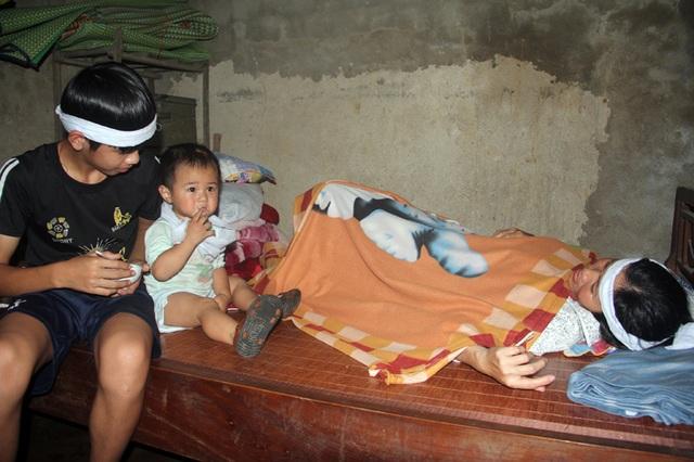 Thương lắm cậu bé mồ côi cha gồng mình cứu đôi mắt của mẹ - 3