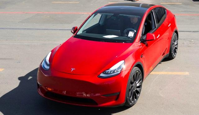 Tesla chính thức trở thành hãng xe điện lớn nhất thế giới - 1