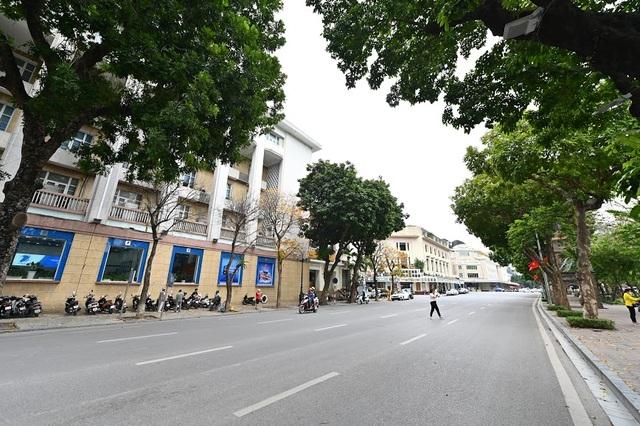 Hình ảnh lạ thường tại Hà Nội giữa mùa dịch Covid - 19 - 15