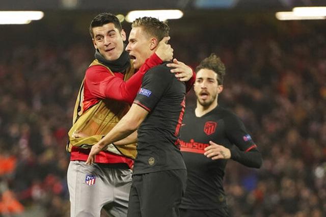 Liverpool 2-3 Atletico Madrid: Adrian mắc sai lầm khiến Liverpool bị loại - 2