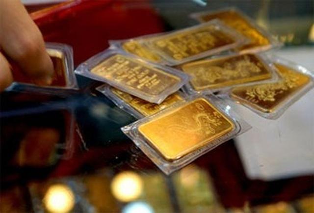 Giá vàng bật tăng sát mốc 49 triệu đồng/lượng - 1