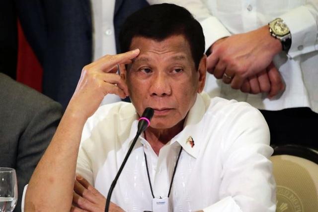 Người dân Philippines đổ xô tích trữ, Tổng thống xét nghiệm Covid-19 - 1