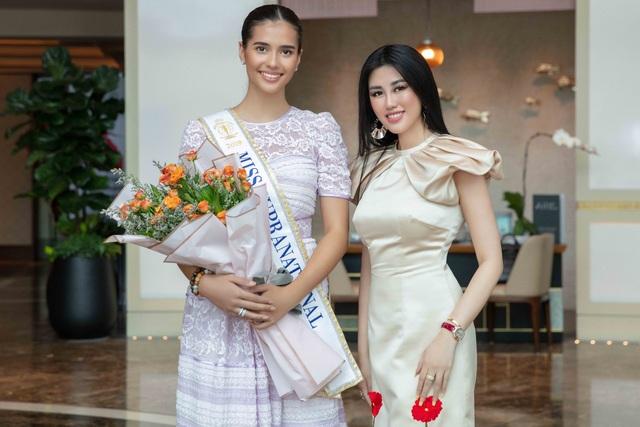 Hoa hậu siêu quốc gia ăn món ngon miền Tây cùng Emily Hồng Nhung - 4