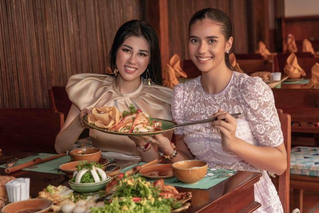Hoa hậu siêu quốc gia ăn món ngon miền Tây cùng Emily Hồng Nhung - 2