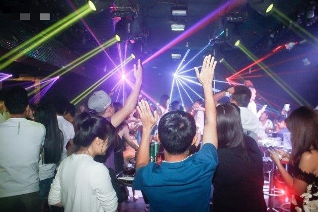 Tạm dừng hoạt động tại các vũ trường, karaoke trên toàn Hà Nội - 1