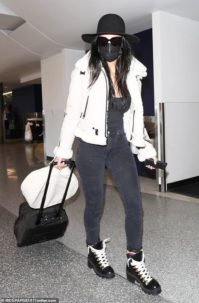 Farrah Abraham đeo khẩu trang đi mua giấy vệ sinh - 7