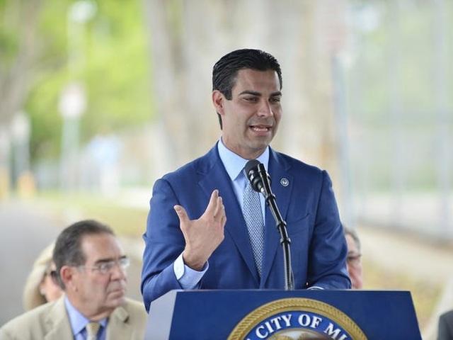 Mỹ: Thị trưởng thành phố Miami nhiễm virus corona  - 1
