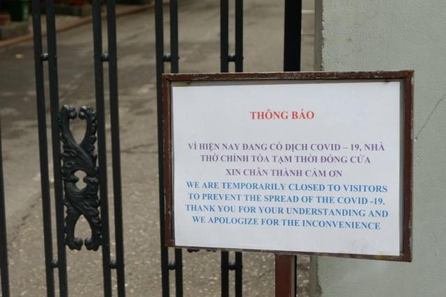 Khách nước ngoài bất ngờ, tiếc nuối khi nhiều di tích đóng cửa vì Covid-19 - 9