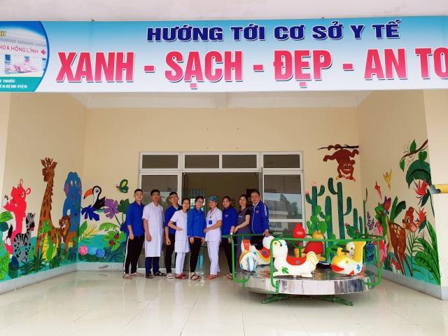 Hà Tĩnh: Những họa sĩ không chuyên tô đẹp cho phố phường - 3