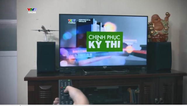 Học qua truyền hình, internet: Phụ huynh phải phối hợp với GV kiểm soát con   - 2
