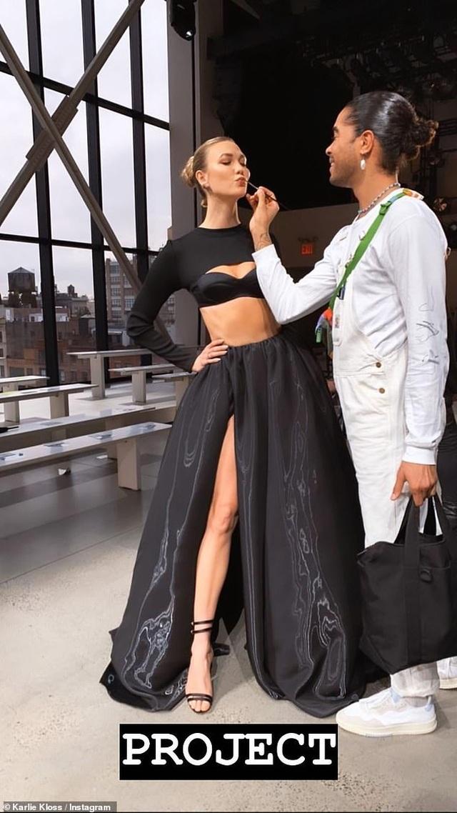 Ngưỡng mộ dáng chuẩn của siêu mẫu cao 1,88m Karlie Kloss - 4