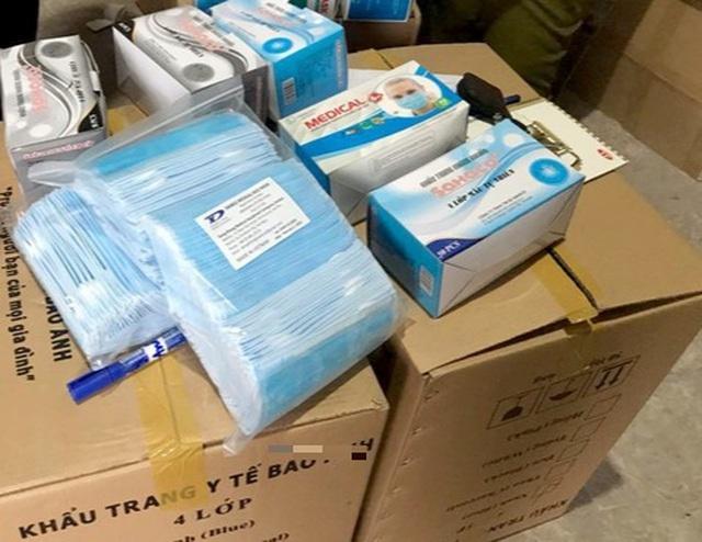 """Nhóm khách đi máy bay định """"tuồn"""" số lượng lớn khẩu trang sang Thái Lan - 1"""