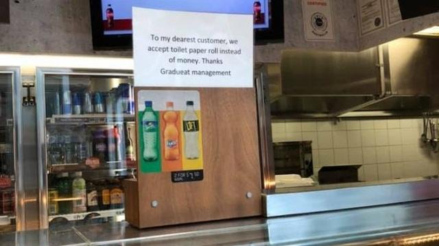 Nhà hàng chấp nhận thanh toán bằng giấy vệ sinh - 1