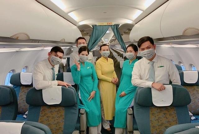 Gần 2.000 tiếp viên Vietnam Airlines phải cách ly, nghỉ làm vì Covid-19 - 2