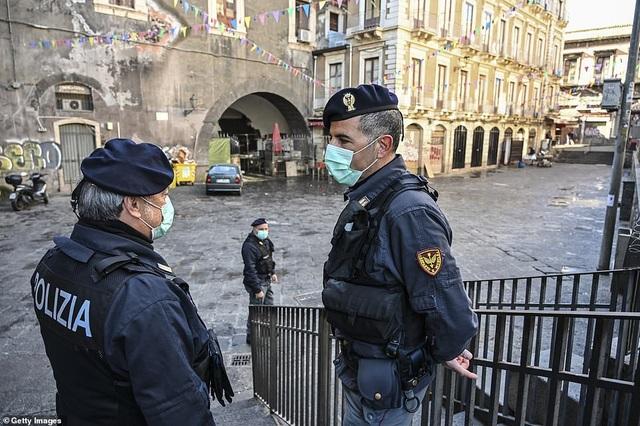 Italia: Số người chết vì Covid-19 vượt 1.000, hơn 15.000 ca mắc bệnh - 1