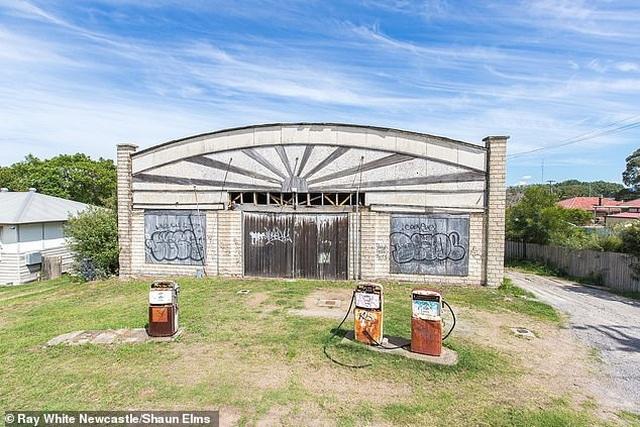 Trạm xăng cũ kĩ, rỉ sét này là bất động sản được tìm kiếm nhiều nhất ở Úc - 1