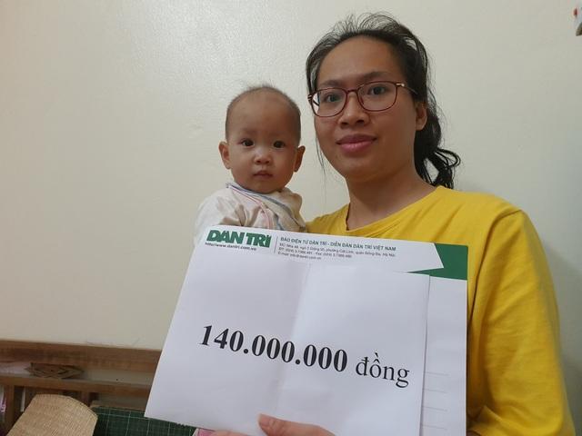 Bé 10 tháng tuổi mắc tim bẩm sinh được bạn đọc giúp đỡ 140 triệu đồng - 2