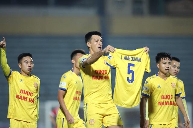 HLV Park Hang Seo dự khán, Nam Định thắng trận ở V-League - 3