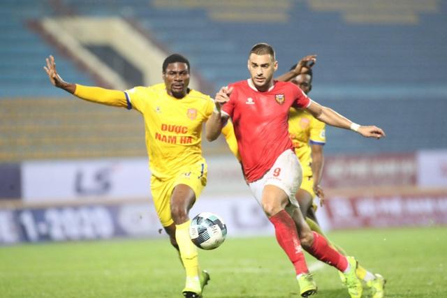 """VFF tiết lộ phương án """"đặc biệt"""" tổ chức V-League đối phó dịch Covid-19 - 1"""