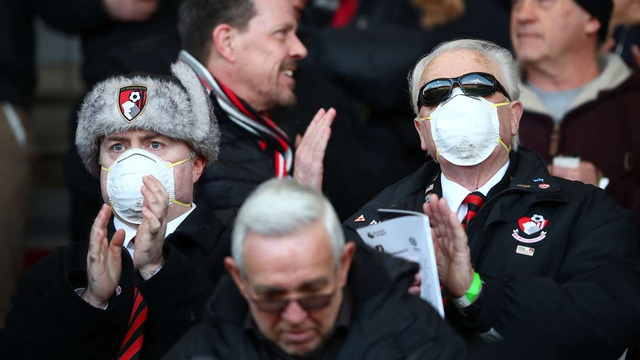 Premier League tiếp tục hoãn thi đấu tới 30/4 - 2