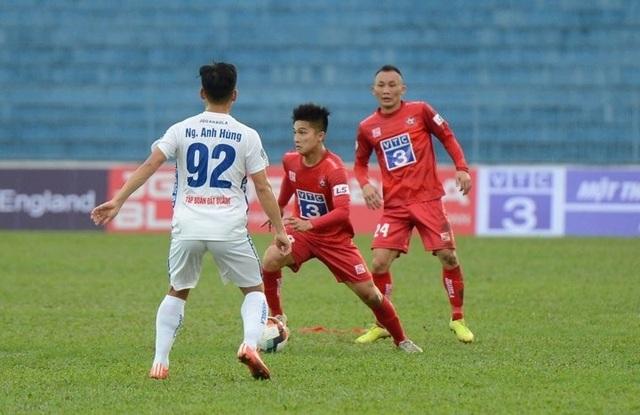 """HLV Nguyễn Thành Vinh: """"V-League cần tính đến phương án xấu nhất"""" - 1"""