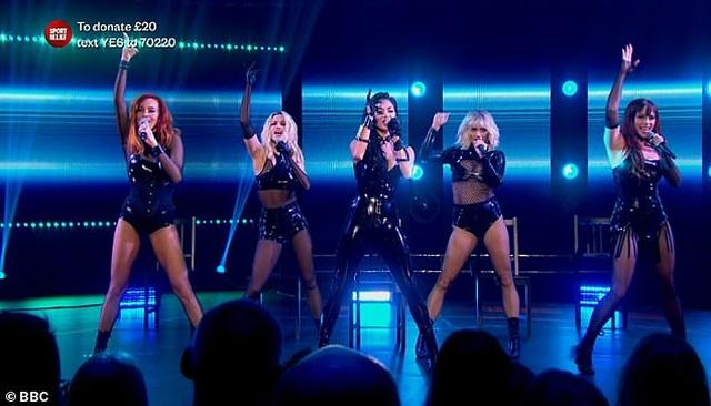 The Pussycat Dolls liên tục gây sốc vì trình diễn quá bốc lửa - 5