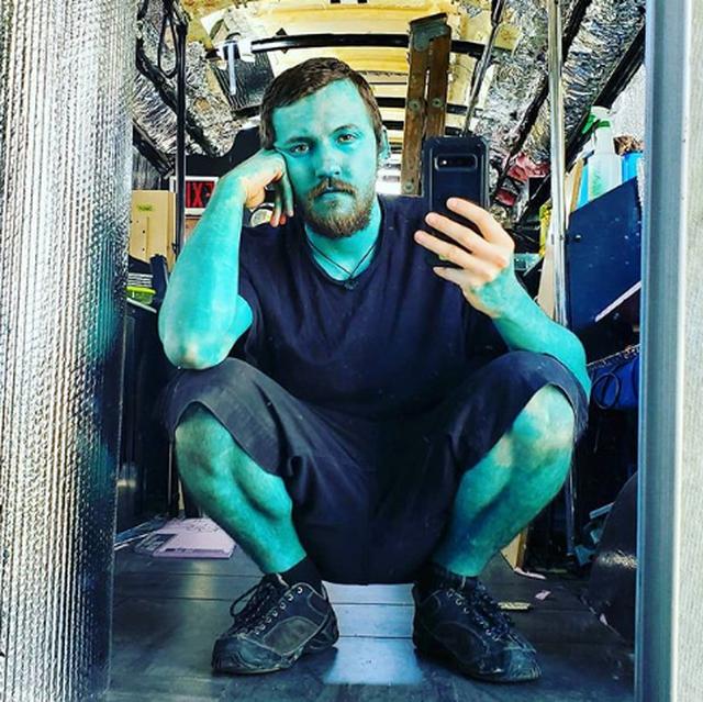 Người đàn ông xăm da toàn thân xanh như Xì trum để... tăng tự tin - 4