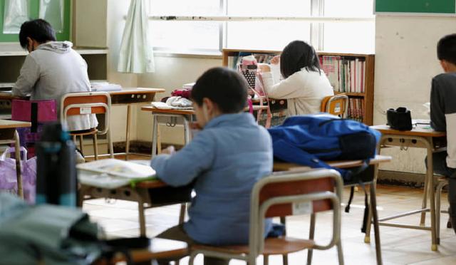 Nhiều trường học Nhật Bản vẫn mở cửa giữa mùa dịch Covid-19 - 1