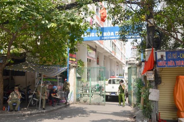 Phong tỏa chung cư nơi phát hiện ca Covid số 48 - 1