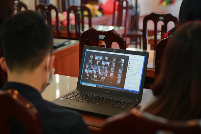 Hà Nội: Các trường triển khai dạy học online, tăng cường khử khuẩn mùa dịch - 3