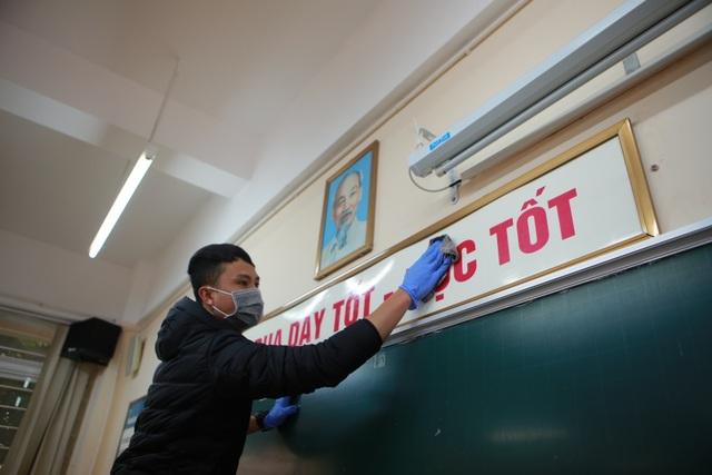 Hà Nội: Các trường triển khai dạy học online, tăng cường khử khuẩn mùa dịch - 6