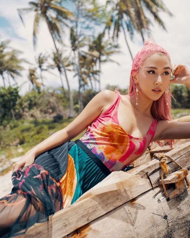 Hot girl Quỳnh Anh Shyn phải cách ly phòng dịch Covid-19 - 1