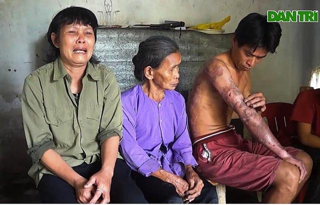 Người phụ nữ nghẹn ngào cầu xin cho con trai một con đường sống - 8