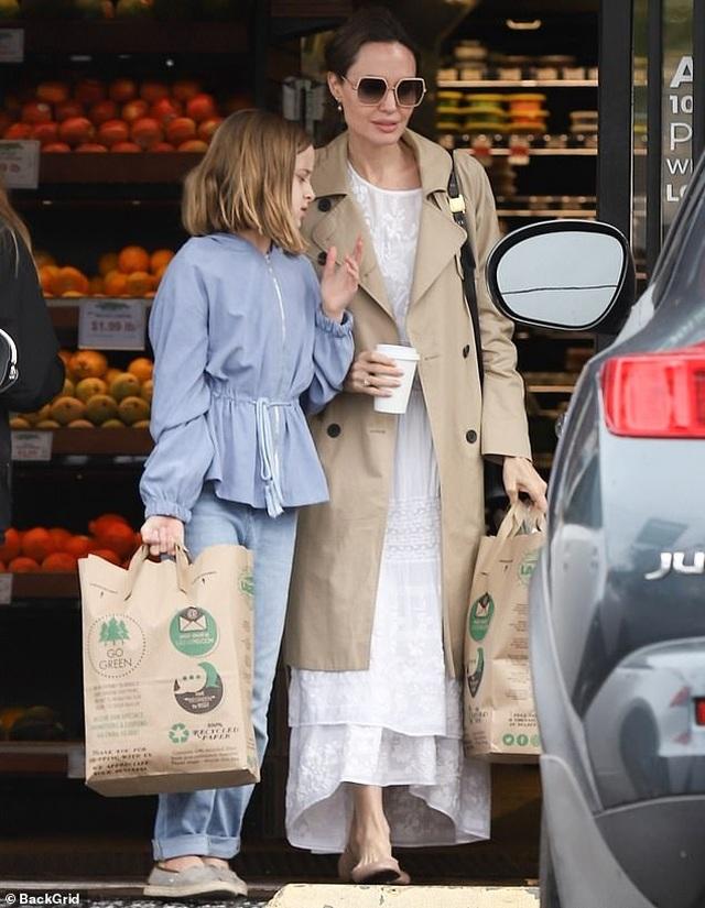Sao Hollywood tích cực đi siêu thị giữa đại dịch - 2