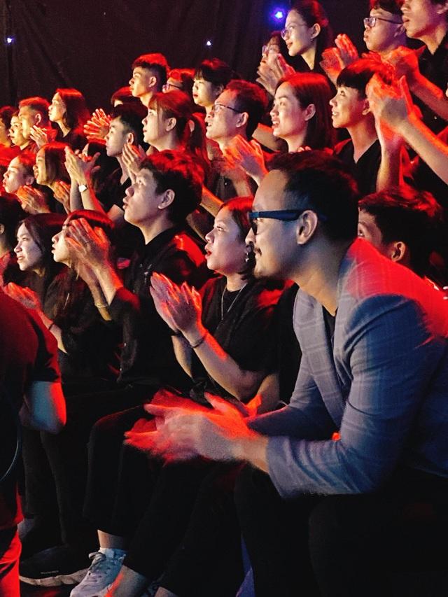 """MC Thu Hoài gây bất ngờ khi đoạt 3 điểm 10 trong """"Trời sinh một cặp"""" - 4"""