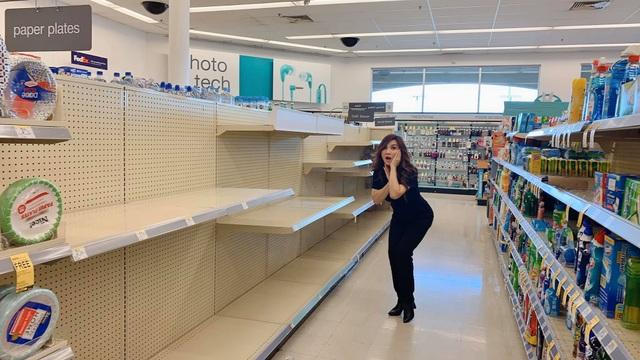 Đi siêu thị mùa dịch, vợ cũ Bằng Kiều hốt hoảng vì giấy vệ sinh bị gom sạch - 2