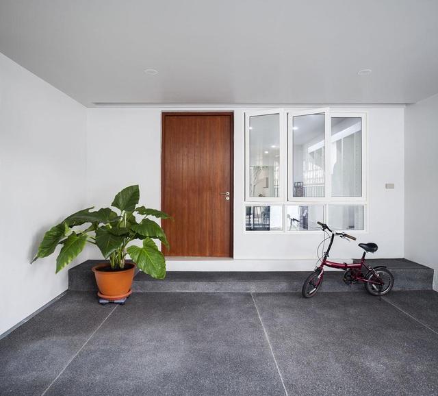 """Choáng ngợp ngôi nhà 300m2 với khu vườn bonsai toàn cây """"khủng"""" - 2"""