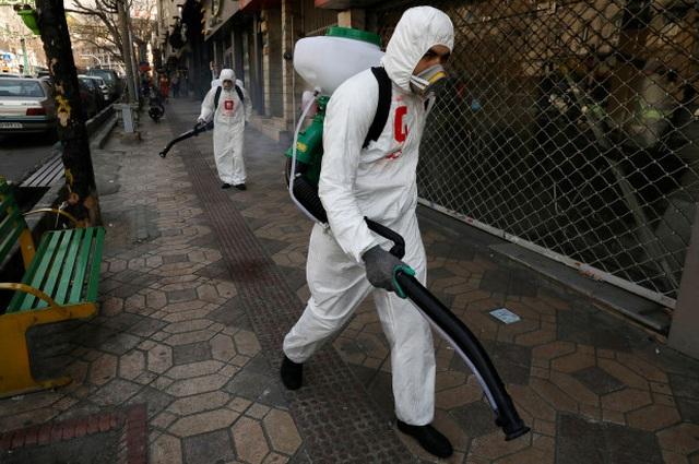 Iran thêm gần 100 người tử vong, 1.300 ca mắc Covid-19 - 1