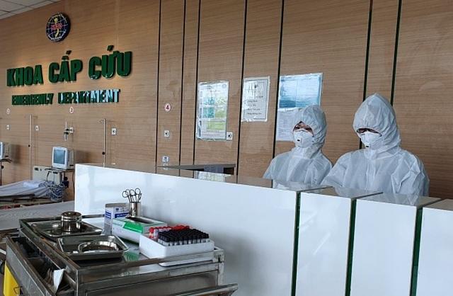 Lãnh đạo Bộ Y tế nói gì về việc lây nhiễm chéo Covid-19 cho cán bộ y tế? - 1