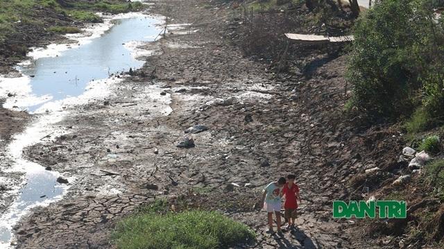 Những giọt nước nghĩa tình tại vùng hạn mặn khắc nghiệt lịch sử - 5
